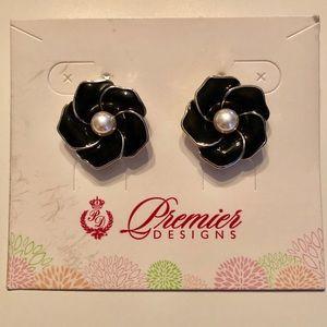 Premier Designs stud earrings